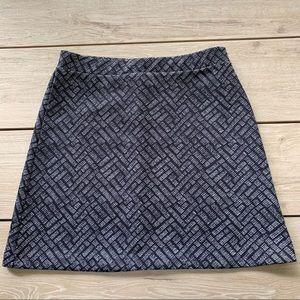 Black and white H&M skirt